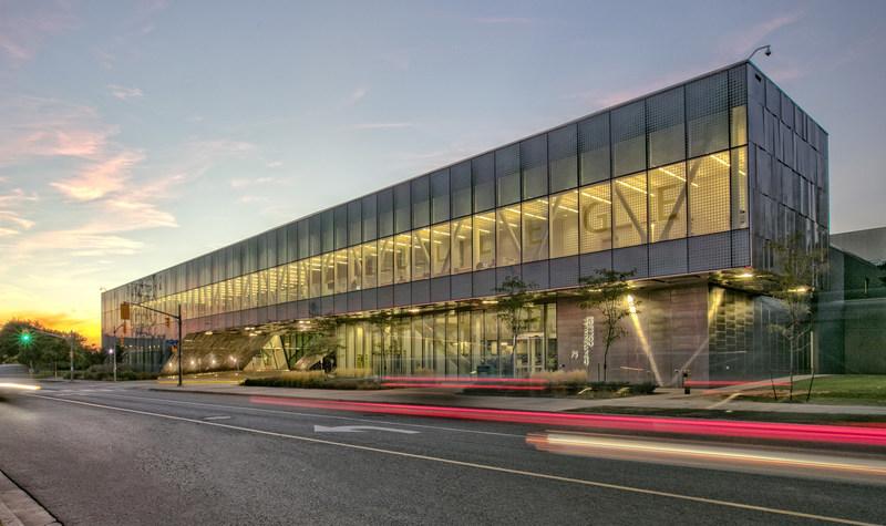 Centennial College - School of Transportation (CNW Group/Hyundai Auto Canada Corp.)