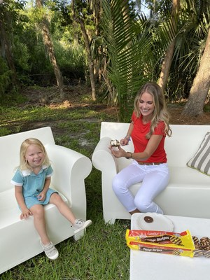 Cameran Eubanks creates her own #SmoreMagical moment with Keebler Fudge Stripe cookies and some help from her little one.