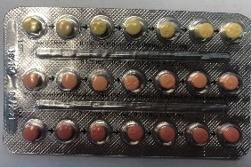 Linessa 21 ? Properly packaged blister pack of 21 pills, with a first row of light yellow pills, followed by orange, followed by red. (CNW Group/Health Canada)