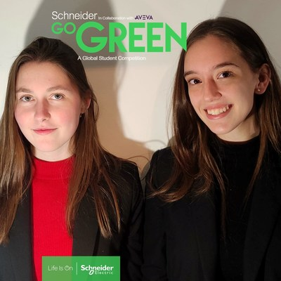 From left to right Helena Arias Casals and Dorothy Ann van der Ent Facerias (CNW Group/Schneider Electric Canada Inc.)