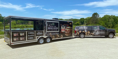 The makers of the NATURAL CHOICE® brand are partnering with BBQ legend Moe Cason for the launch of the 2021 Good Feeds Us All Tour across America. The initial leg of the tour includes stops in St. Paul, Des Moines and Kansas City, Mo., as well as visits to community centers to provide monetary donations and Natural Choice® product donations. The tour also includes free public sampling events at various grocery retailers in the Upper Midwest.