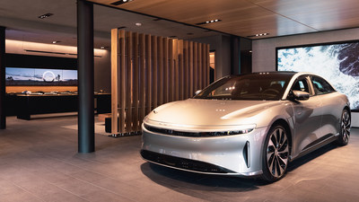 The Lucid design team worked with world-renowned architecture firm Marmol Radziner to translate the company's post-luxury design aesthetic into a welcoming physical environment where customers can review options for the full Lucid Air lineup of luxury, high-performance EVs.