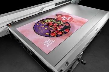Access the Arizona Advantage with the New Canon Arizona 135 GT UV Flatbed Printer