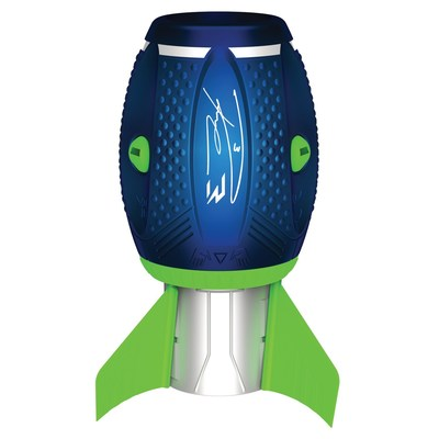 Spin Master Teams Up with NFL-Star Quarterback Russell Wilson To Launch the New Aerobie® Sonic Fin™ Football (CNW Group/Spin Master)
