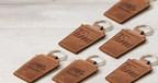 Tim Hortons® et Roots font équipe pour lancer un porte-clés en cuir en forme de tasse à café, fabriqué au Canada en édition limitée