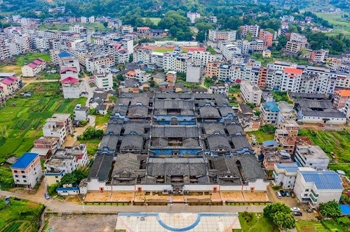 """An aerial photo of the ancient folk residence Honglincuo, which is known as the """"Folk Palace Museum"""". [Photo/CFP]"""