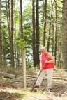 Plantation dans le PNLHN Kejimkujik en cours dans le cadre de L'engagement de 2 milliards d'arbres