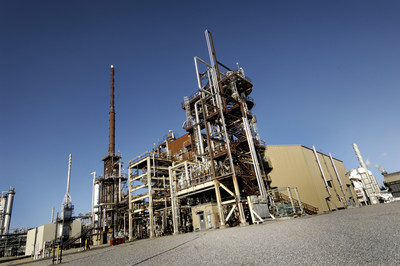 Refinery at Shell's Scotford Complex (CNW Group/Shell Canada Limited)