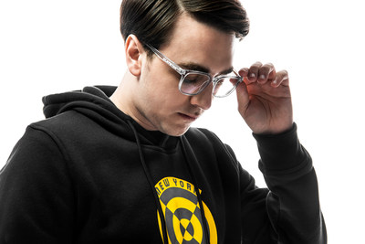 """Zenni, the leading online eyewear retailer, announced three-time Call of Duty League™ Champion James """"Clayster"""" Eubanks with the New York Subliners as its newest brand ambassador with an exclusive eyewear partnership. Clayster collaborated with Zenni to curate a collection of eight frames just for gamers that range in price from $29.95 to $49.95 and available at www.Zenni.com/Clayster. Zenni also unveiled the new Call of Duty League signature eyewear which also features styles for the 12 teams."""