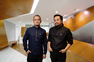 Justin Chan, Regional Operations Manager (Left), & Farez Khan, Marketing & PR Specialist (Right), of Global Atelier Sdn Bhd.
