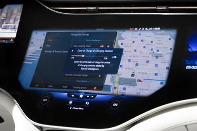 Navigation avec intelligence électrique - modèle des É.-U. montré (Groupe CNW/Mercedes-Benz Canada Inc.)