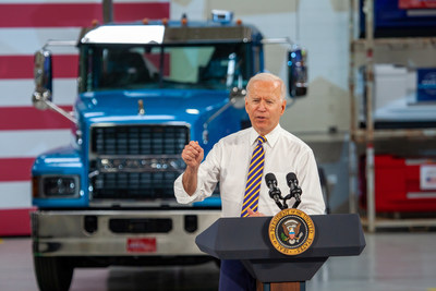 Mack Trucks today hosted President Joe Biden at its Lehigh Valley Operations (LVO) facility in Macungie, Pennsylvania, where all Mack heavy-duty models for North America and export are assembled. Biden stressed the importance of American manufacturing, buying American products and good-paying jobs during remarks made at the facility.