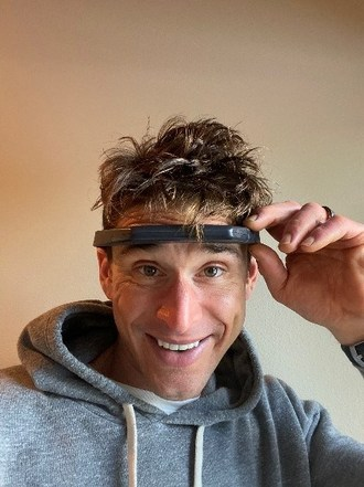 "Ben Greenfield,着名的生物冲击者,健身大师和纽约时报最畅销的作者是Hapbee的""Boost""信号的早期测试仪。他将在8月29日举办与Hapbee联合创始人Scott Donnell的Instagram直播。(beplay数据中心CNW Group / Hapbee Technologies Inc.)"