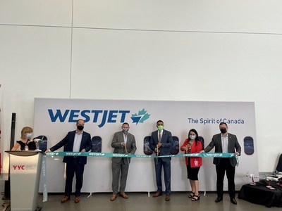 WestJet celebrates the inaugural flight of its new route between Calgary and Amsterdam. (Groupe CNW/WESTJET, an Alberta Partnership)