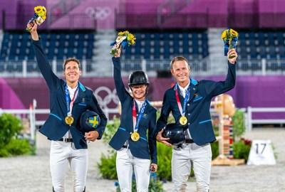 Un momento de oro para el Salto Ecuestre del equipo sueco por Louise Parkes