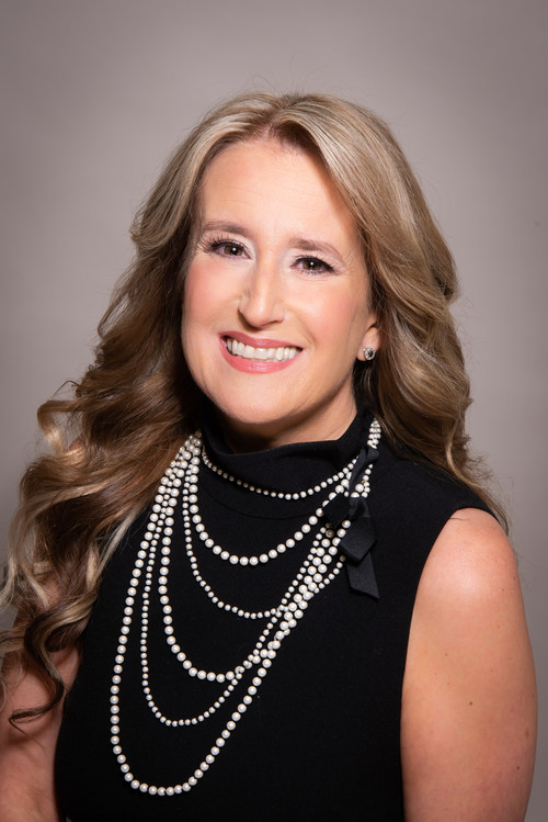 American Financial Resources President Laura Brandao earns a NEXT 2021 Powerhouse Award, recognized as one of 25 women mortgage professionals who advanced the mortgage industry in the past year.