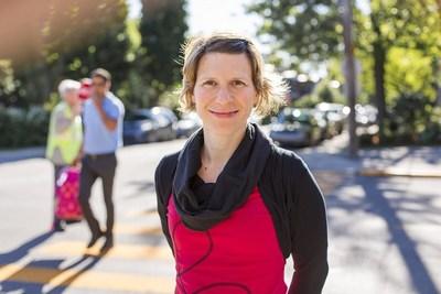 La professeure Marie-Soleil Cloutier es à la tête d'une étude sur l'effet de la réduction des limites de vitesse sur le risque d'accidents graves et mortels sur les routes du Québec. Crédit : Christian Fleury (Groupe CNW/Institut National de la recherche scientifique (INRS))