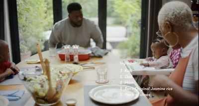"""The Opuko Gyeni family shares a meal with Ben's Original™ rice for the brand's new global campaign, """"Everyone's Original."""" Left to right: Azariah Opuko-Gyeni, John Opuko-Gyeni, Isla-Grace Opuko-Gyeni, Renee Opuko-Gyeni."""