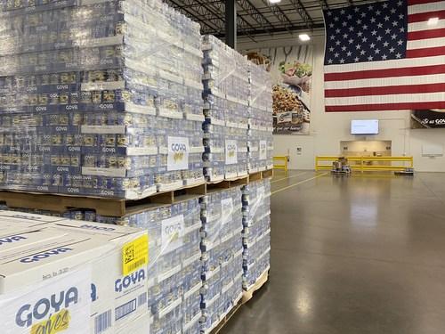 Goya distribuye una donación inicial de 40,000& libras de alimentos a las víctimas del huracán Ida (PRNewsfoto/Goya Foods, Inc.)