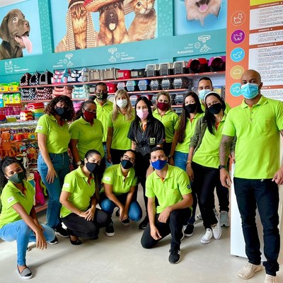 Opening day at Petland Salvador in Brazil.