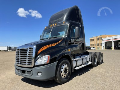 2010 Freightliner Cascadia 125, 643,500 miles, 455-horsepower 14.8-liter Detroit DD15, 10-speed transmission. AuctionTime sold price: $24,200 (USD).