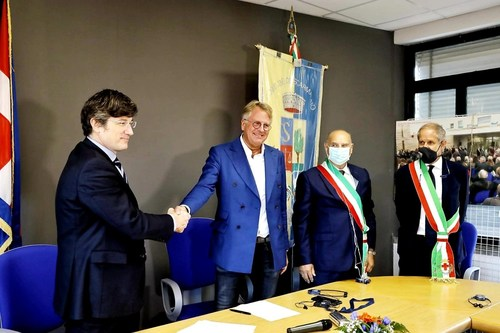 Italvolt founder Lars Carlstrom at the land purchasing signing ceremony in Scarmagno where its future 45 GWh gigafactory will be built (PRNewsfoto/Italvolt Spa)