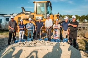 The RV Retailer team breaks ground on latest Airstream facility in Texas alongside Lee Urbanovsky, Mayor of Buda, TX