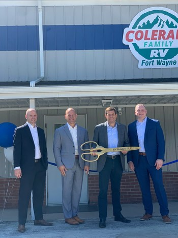 The RV Retailer teams cuts the ribbon at the grand opening of the recently renovated Colerain Family RV location in Fort Wayne, Indiana