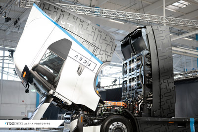 The next evolution of the Nikola Tre heavy-duty platform is the fuel cell electric vehicle (FCEV). This prototype was on display at the Sept. 15 manufacturing facility dedication ceremony. It will enter production in Ulm by the end of 2023. (PRNewsfoto/Nikola Corporation)
