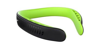 Le Q-Collar est le premier et le seul produit approuvé par la FDA (US Food and Drug Administration) qui aide à protéger le cerveau des effets associés aux impacts subcontinus répétés à la tête (Groupe CNW/ONETeam Sports Group)