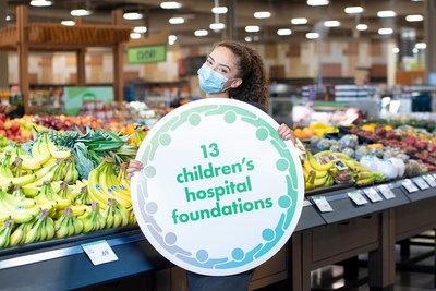 Sobeys Inc. teammate proudly shows their support for the A Family of Support: Child & Youth Mental Health Initiative and its second annual fundraising campaign. (CNW Group/Canada's Children's Hospital Foundations)