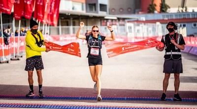 Calgary Marathon Female Winner 2021 (CNW Group/Scotiabank)