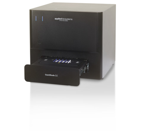 Applied Biosystems QuantStudio Absolute Q Digital PCR System, the first integrated digital PCR solution, is ideal for oncology, cell and gene therapy development and other research applications.