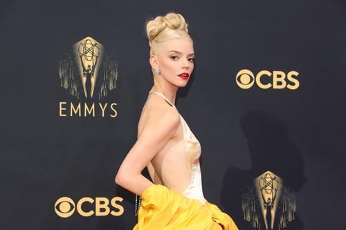 Anya Taylor-Joy Wears Platinum Jewelry to the Emmy Awards @Platinum_Jewelry