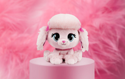Content creator Savannah LaBrant will reveal fashion looks inspired by her P.Lushes Pet™ Pinkie Monroe. (CNW Group/Spin Master)