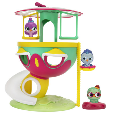 Let's all go exploring Do's House in the Do, Re & Mi Playset, the adorable playset that features melodies and phrases from Do, Re & Mi! Discover all three floors of Do's house with the manual basket elevator, sliding down to the bottom when you're done!