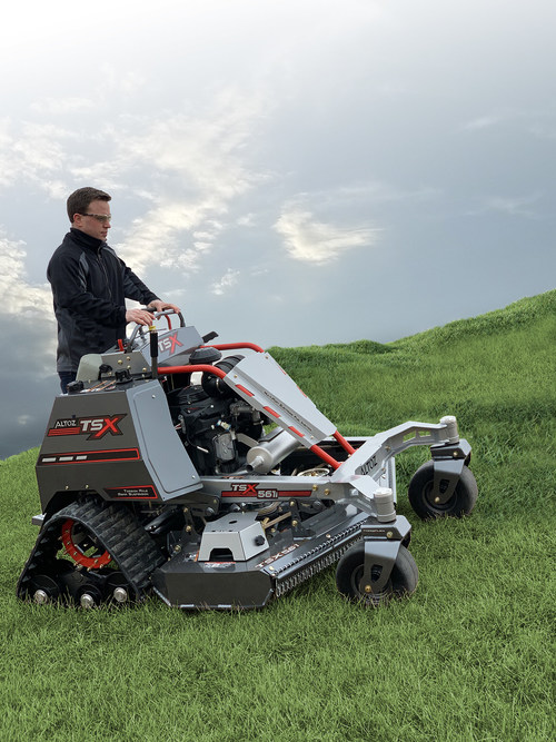 Thanks to its exclusive track system, the award-winning Altoz TSX allows operators to safely and effectively mow terrain that traditional mowers simply cannot.