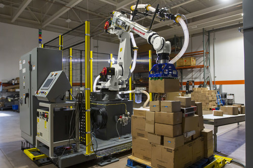 Driven by sophisticated machine learning and advances in perception and gripping technologies, Honeywell's Smart Flexible Depalletizer minimizes the need for manual labor to break down pallet loads – roles that carry risk of injury to labor, experience high turnover and are currently difficult to staff.