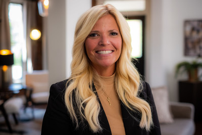 Ohio REALTOR® Nikki DiNardo honored with CENTURY 21 Relentless Agent Award for excellence in client service