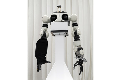 Honda Avatar Robot is equipped with a multi-fingered hand, an application of Honda robotics technologies, and Honda's original AI-supported remote control function.