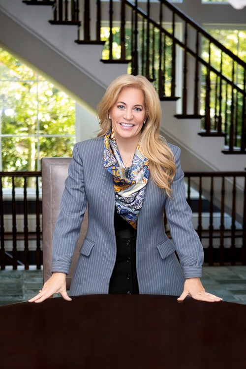 Debra Johnston, a leading luxury real estate agent in Atlanta, announces her affiliation with a brokerage leader of luxury, Coldwell Banker Realty.