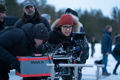Director of Photography Linus Sandgren and director Cary Joji Fukunaga on the set of NO TIME TO DIE, an EON Productions and Metro-Goldwyn-Mayer Studios film Credit: Nicola Dove © 2021 DANJAQ, LLC AND MGM. ALL RIGHTS RESERVED.