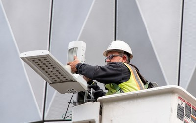 Installation of 60 GHz cnWave Fixed Wireless Distribution Node