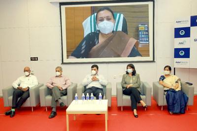 Kerala Health Minister Ms Veena George inaugurated the centre online. On the stage, from left: Dr. Bobby Verkey, Dr. Dilip Panicker, Mr. Farhan Yasin (Regional Director, Aster Group, Kerala Cluster & Oman), Ms Ambili Vijayaraghavan (CEO, Aster Medcity), Dr. Asha Kishore