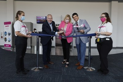 From left to right: Shane Workman, Head of Flight Operations, Swoop   Elizabeth Brown, CEO, Sanford International Inc.   Tom Nolan, President of Sanford Airport Authority (CNW Group/Swoop)