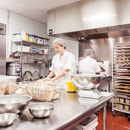 Amped Kitchens will hold a ribbon-cutting at its new 117,000-square-foot, multi-tenant, commercial kitchen complex in Chicago's Belmont-Cragin neighborhood.