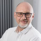 Momentum appoints Andy Bacon to invest in its membership community, ITSMA
