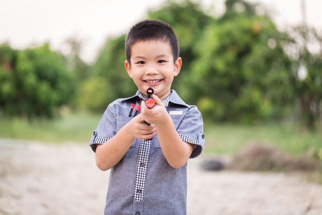 The American Academy of Ophthalmology is reminding the public to keep in mind certain safety guidelines when choosing the perfect gifts for the little ones this holiday season.