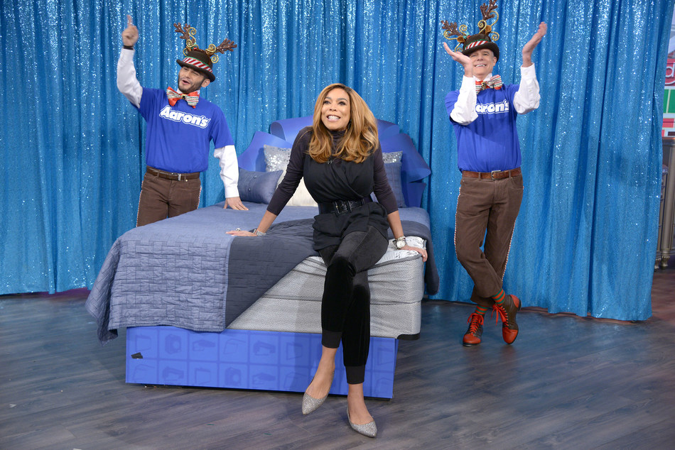 """On Friday's Debmar-Mercury's """"The Wendy Williams Show,"""" the studio audience got a big surprise, with each member receiving a free Woodhaven luxury queen-sized mattress set from Aaron's. For more than two decades, Woodhaven has set the standard for superior quality and affordability with their handcrafted, built in America furniture.  Woodhaven furniture and mattresses are available at Aaron's stores and online at Aarons.com."""