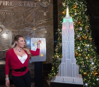 Empire_State_Realty_Trust_with_Mariah_Carey